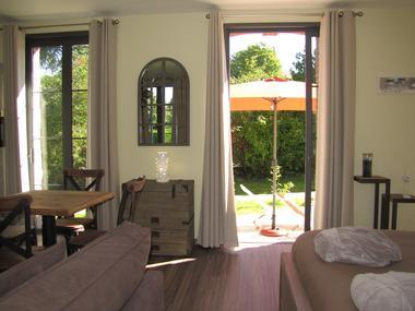 Ouville - Villa Argonne gîte LE TREPORT salon et terrasse