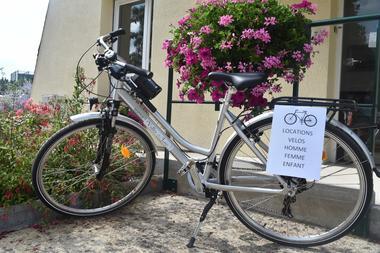 Camping au Bord du Loir - Le Lude - Location vélo