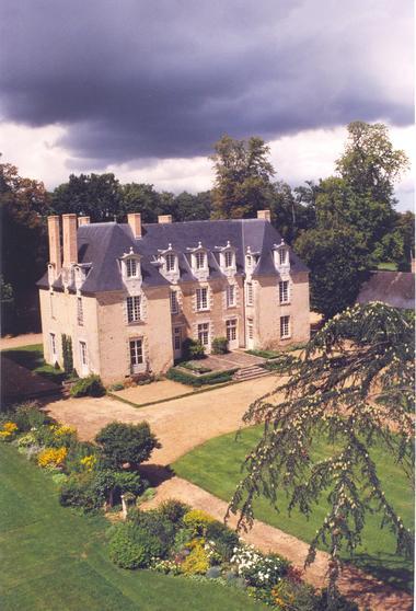 Château des Gringuenières_la chapelle d'aligné