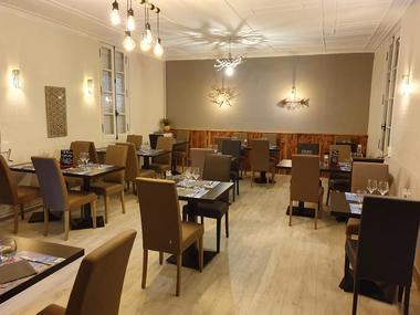 restaurant-les-delices-du-chateau-bauge-1