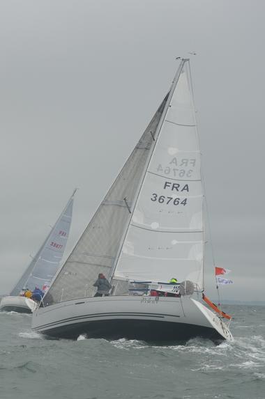 Location bateau voilier Atlantique Vendée St Gilles Croix de Vie First 31.7 régate