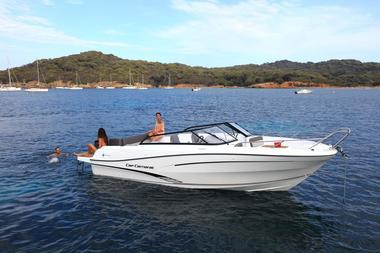 Location bateau moteur Vendée St Gilles Croix de Vie Cap Camarat 7.5BR