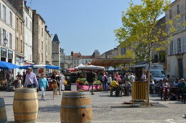 marché-fontenay-le-comte-©Ville-de-Fontenay-le-Comte