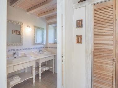 meuble-gite-orangerie-85410-saint-laurent-de-la-salle-8