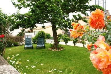 meublé-gite-de-la-cure-4-paris-saint-martin-des-fontaines-85570-2