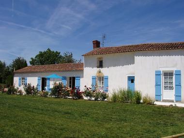 meublé-gite-les-volets-bleus-saint-valérien-85570 (1)