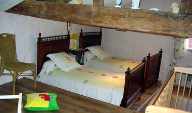 meublé-l'orangerie-de-larocque-latour-85410-saint-laurent-de-la-salle-4