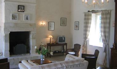meublé-l'orangerie-de-larocque-latour-85410-saint-laurent-de-la-salle-7