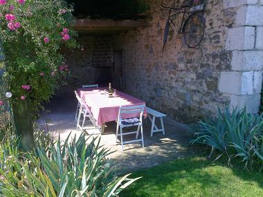 meublé-pomme-d-amour-reece-85570-saint-martin-des-fontaines-14