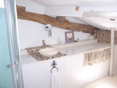 meublé-pomme-d-amour-reece-85570-saint-martin-des-fontaines-6