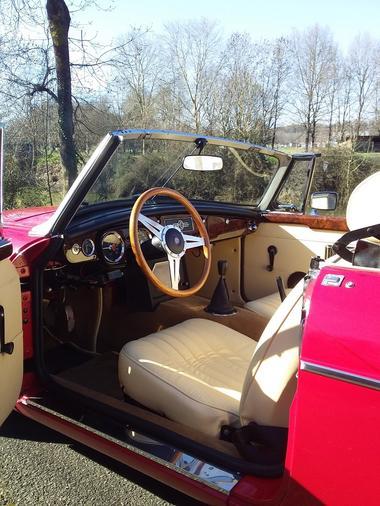 norbert-classic-rent-location-de-voiture-de-collection-cabriolet-fontenay-le-comte-85200-8-2