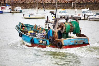 bateau de pêche saint gilles croix de vie