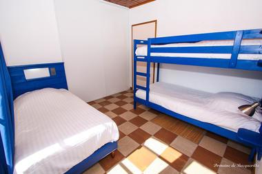 chambre-bleue-gite-boulangerie-Domaine de BacquevilleIMG_8042