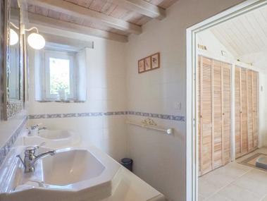 chambres-d-hotes-logis-la-tour-85410-saint-laurent-de-la-salle-5