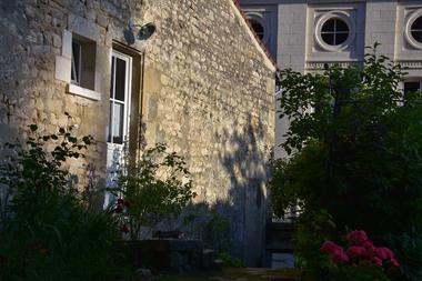 gite-un-hibou-sur-le-toit-meublé-fontenay-le-comte-6