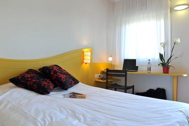 ptit-déj-hotel-fontenay-le-comte-85-4