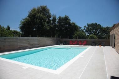 piscine extérieure chauffée - Domaine de Bacqueville