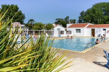 piscine exterieure chauffee la paree preneau
