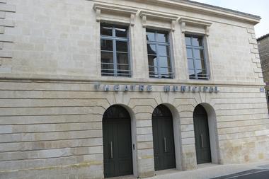 théâtre-municipal-fontenay-le-comte-85200-2