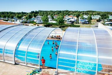 vue piscine et camping