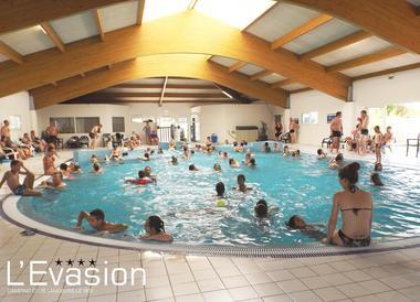2018-camping-evasion-landevieille-vendee-les-sables-olonne-piscine-interieure-chauffee-jacuzzi2