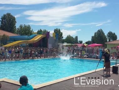 2018-camping-evasion-landevieille-vendee-les-sables-olonne-piscine-jeux-toboggans-animation-starclip