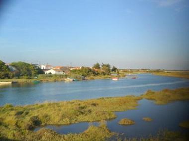 La Rivière avec le village