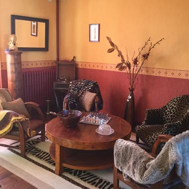 salon_de_la_chambre_Voyageur_lapetitechatelaine_sainthilairederiez
