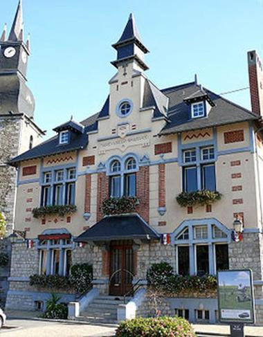 "VIREUX-WALLERAND, village fleuri ""3 fleurs"