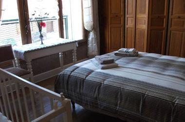 chambre lit double + lit bébé