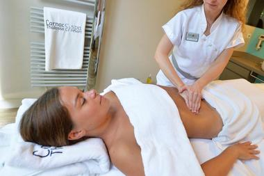 Thalazur-Carnac-massage-ventre-Morbihan-Bretagne-Sud