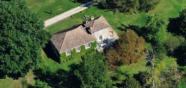 La vue aérienne de la propriété