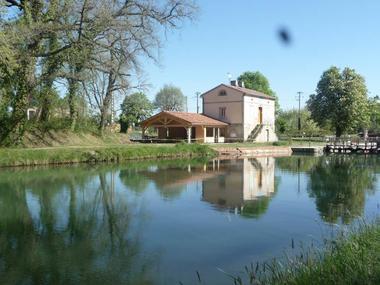 Chez Gabriel Resto-guinguette - restaurant Lacourt-Saint-Pierre