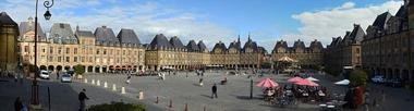 Panoramique de la Place Ducale