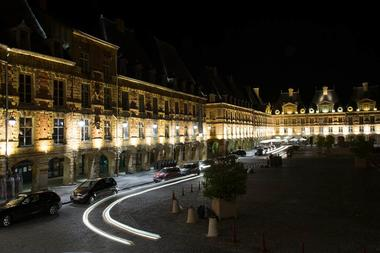 La Place Ducale de nuit
