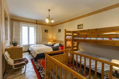 La Charmille, maison avec piscine couverte et chauffée à 1h de Charleville-M. et de Reims - Rubigny - Ardennes