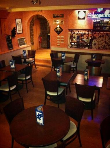 salle chene cafe3