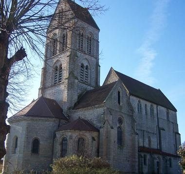 Eglise Saint-Julien de Courville