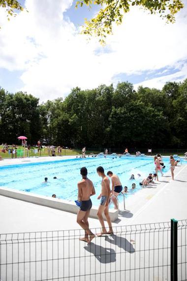 La piscine de plein air - Parc d'Olhain  © Brigitte Baudesson