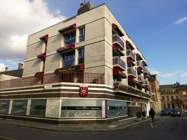 """Hôtel """"Le Clèves"""""""