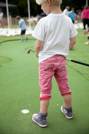 Sur le parcours du golf miniature du Parc d'Olhain  © Brigitte Baudesson