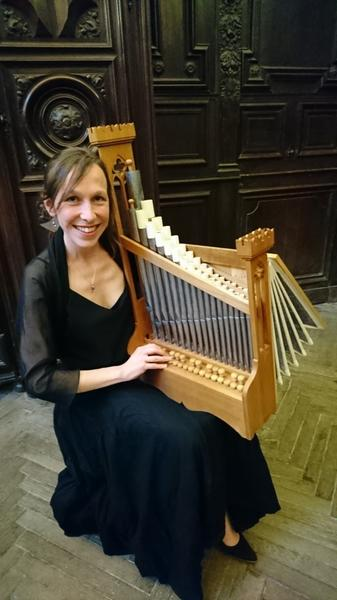 Gaelle Coulon, organetto et voix