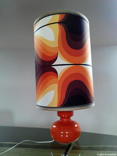 Le Moustier années 70 - Hannut - lampe