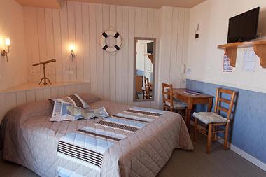 chambre-hotel-les-voygeurs-ile-yeu-631