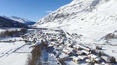 village-de-bessans-en-hiver