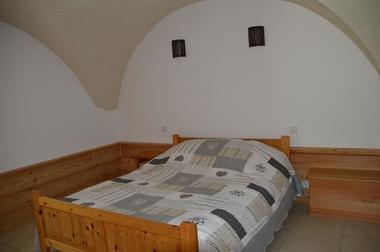 Chambre Location de vacances Chauffayer Meublé  Mme DUPERRON Léa