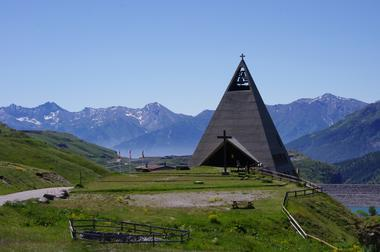 val-cenis-musee-pyramide-plus-exterieur