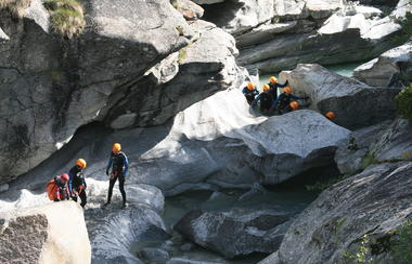 bureau-des-guides-val-cenis-canyoning-ecot-bonneval-sur-arc
