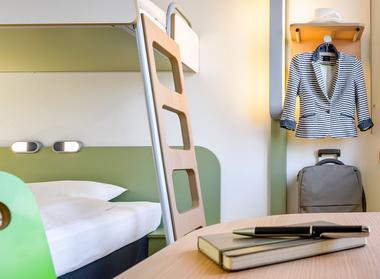 Hotel IBIS Stains 93