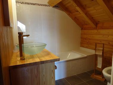 Sallde de bain haut Chalet Unowasi Meublé Mme BLANCHARD Laurence Chaillol